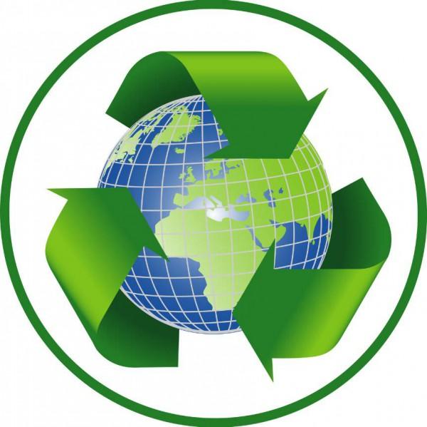 Auspacken und fachgerechte Entsorgung der Verpackung Neugerät